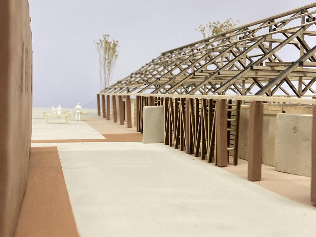 Langhuset er en gjenbrukt lagerbygning fra leireindustrien i Sandnes